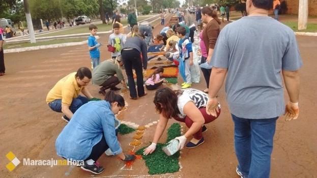 Paróquias de Maracaju celebram Corpus Christi